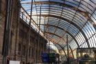Štrasburské nádraží je symbolickou branou do města. Stejný dojem evokují i prostory pod jeho skleněnou střechou