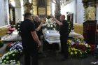V Teplicích se koná pohřeb muže, který zemřel po zásahu policie