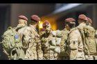 Čeští příslušníci speciálních sil po příletu z Afghánistánu loni v říjnu