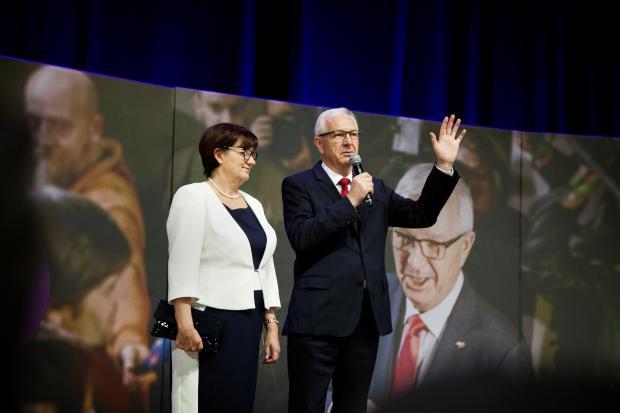 Jiří Drahoš s manželkou během volební kampaně 2018
