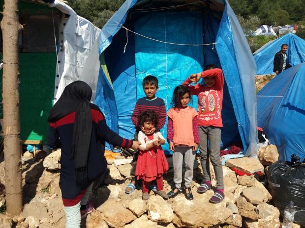 Farah, 28letá matka čtyř dětí. S manželem utekli před Tálibánem a válkou, momentálně jsou v neoficiálním kempu