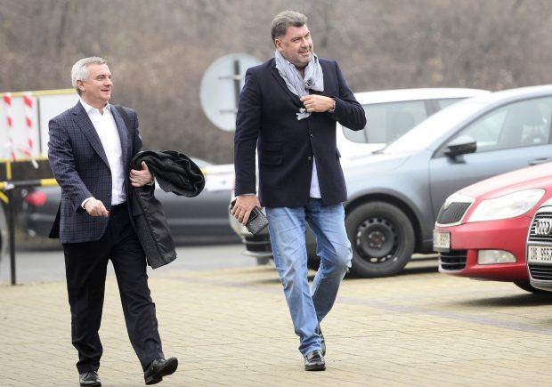 Hradní kancléř Vratislav Mynář a poradce prezidenta Martin Nejedlý.