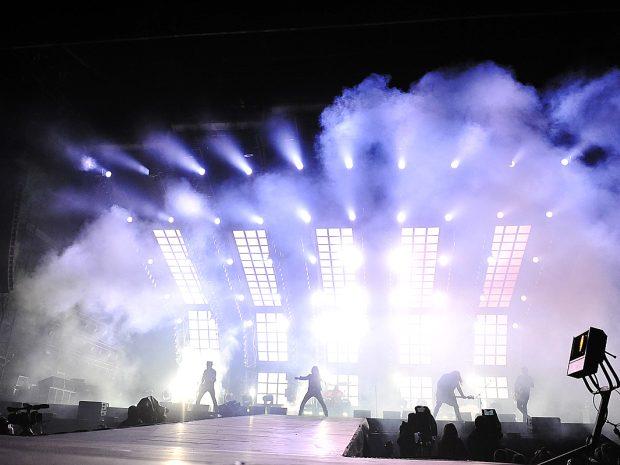 OBRAZEM  Koncert k 25. výročí skupiny Kabát sledovalo 80 tisíc lidí ... e807814f1e3