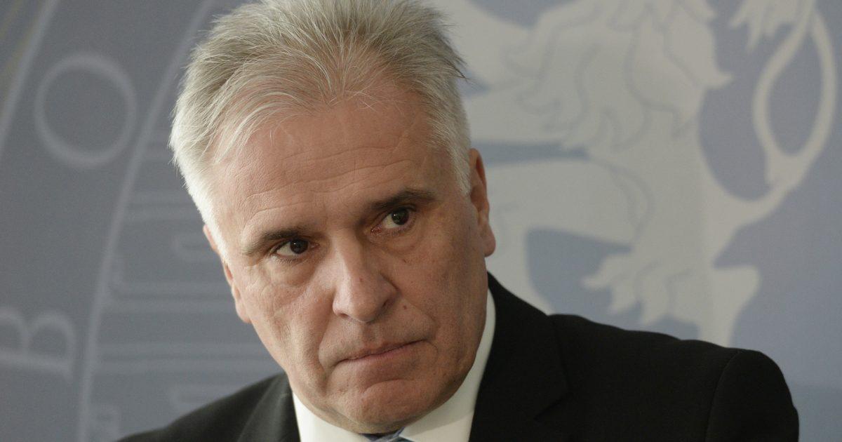 Holub rezignoval na pozici ředitele středočeského úřadu. Podle Peckové nechce pracovat pro nové vedení