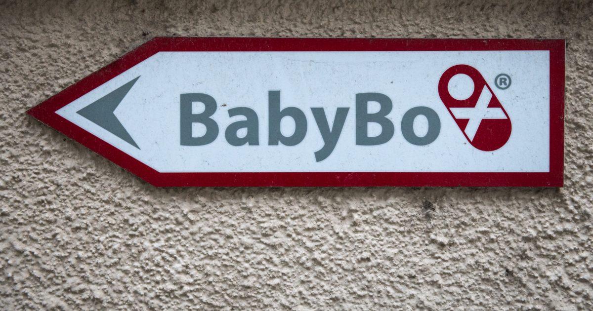 Do babyboxu v Pardubicích někdo odložil novorozenou holčičku. Pojmenovali ji Lenka