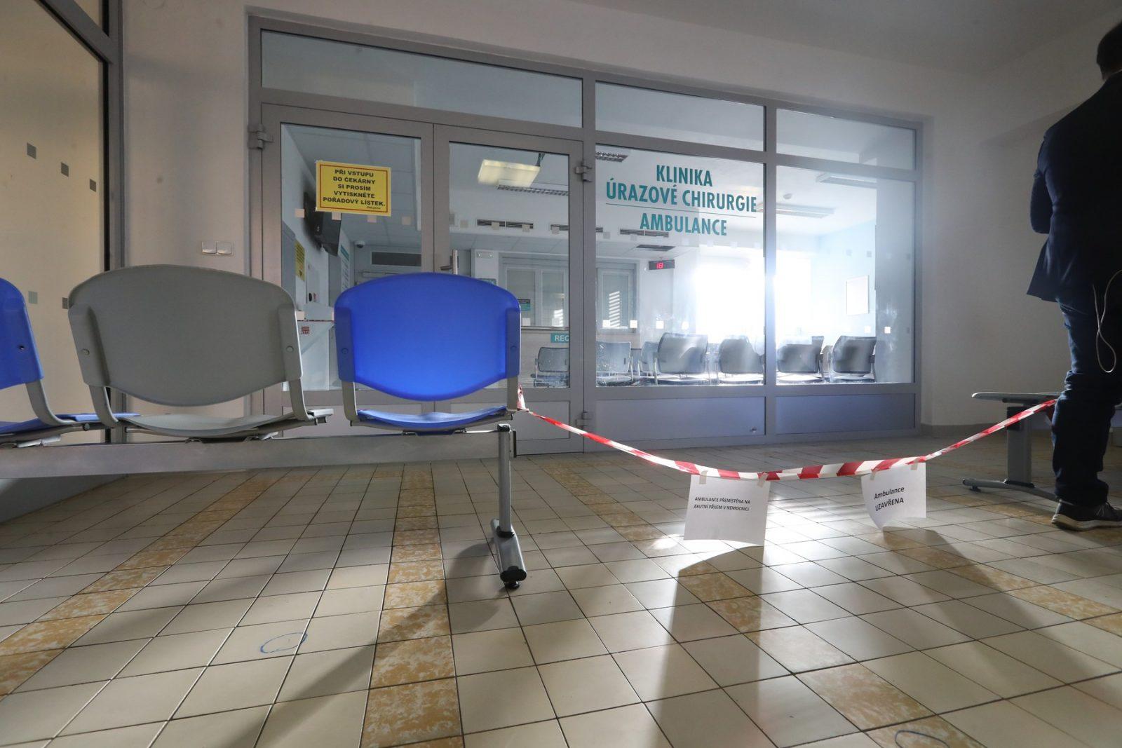 Střelba v čekárně úrazové ambulance ostravské fakultní nemocnice trvala čtyři minuty