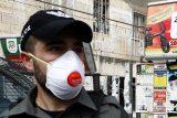 Izrael zavede od neděle povinné nošení roušek. Vláda také schválila zákaz cestování a vycházení