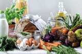 SOUTĚŽ: Nejez blbě. Vyhrajte knižního průvodce zdravou stravou a kvalitními potravinami