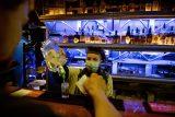 Pražští hygienici prověřovali protikoronavirová opatření v barech. Rozdali pokuty za 12 tisíc