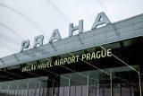 'Aby veřejnost měla pocit bezpečí.' Babiš chce kvůli šíření koronaviru zlepšit opatření na pražském letišti
