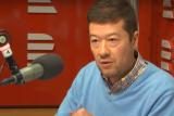 Předseda hnutí SPD Tomio Okamura ve vysílání Radiožurnálu při příležitosti sobotního sjezdu strany mimo jiné odpověděl na dotaz, proč některá média – například Hospodářské noviny, DVTV nebo Lidové noviny – neobdržela akreditace na celostátní sněm hnutí.