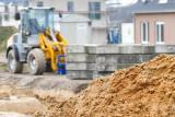 Stavebnictví zaznamenalo v únoru největší propad od roku 2016. Produkce klesala i celý minulý rok
