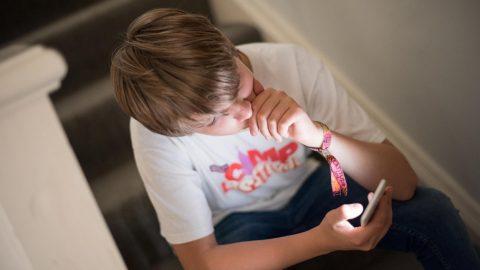 Děti ztrácejí schopnost komunikovat s okolím naživo. Příčinou je nadužívání  moderních technologií 0fd1b1ea0c
