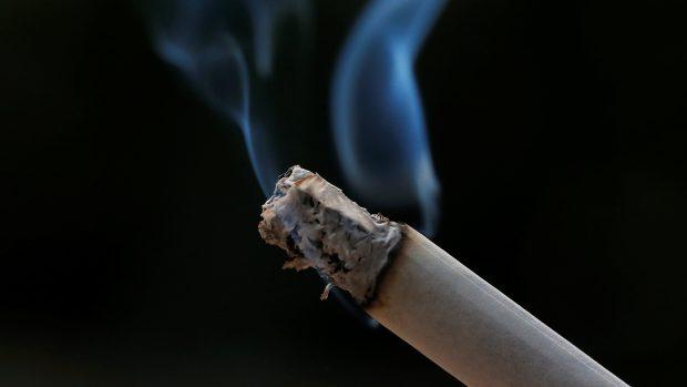 ženy rádi dávají kouření teen pusi porno