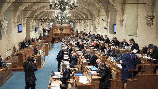 Členové rady pro evropské fondy bez střetu zájmů? Senát o novele rozhodne příští týden