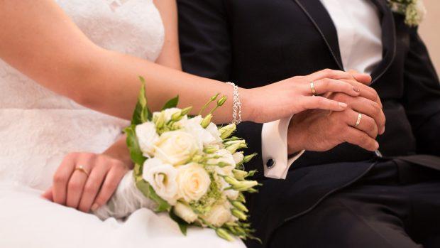 6669aac7d23d Počet svateb roste. Nevěsty si čím dál častěji šaty kupují