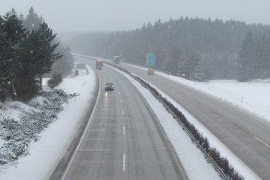 Nehoda kamionu a osobních aut u Mirošovic uzavřela dálnici D1 v obou směrech. Nikdo se nezranil