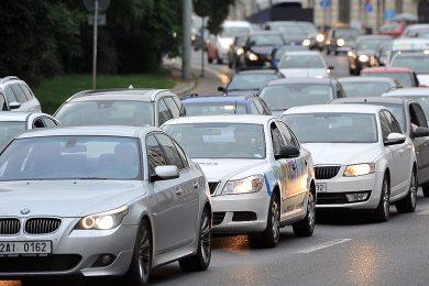 Povinná výbava auta se mění. 'Byl to byznys s lékárničkami, řidiče to obtěžovalo,' vysvětluje Ťok