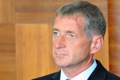 Soud zamítl Janouškovu žádost o prominutí trestu, do vězení ale lobbista nemusí