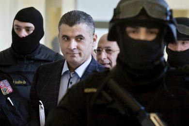 Tajná akce bratrů Pelikánových: ministr nechal libanonského agenta volat ze svého mobilu