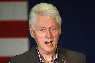 Exkluzivní rozhovor s Clintonem: Potřebujeme Havly po celém světě. Lidi, kteří by žili jako on