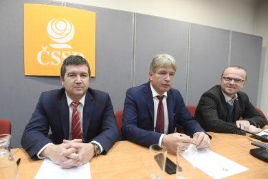 ČSSD hlasovat o nedůvěře nebude, oznámil Hamáček. Nebrání se předčasným volbám