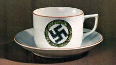 Překvapivá obliba, které se kávě bez kofeinu v Německu dostalo v meziválečném období, souvisela jednak s touhou po zdravém životním stylu, jednak také s nacistickou ideologií.