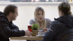 Dívku chtěli odvézt na víkend z Prahy a mít s ní sex ve třech. Partnery ze snímku V síti stíhá policie
