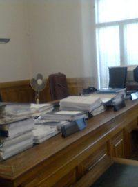 Začíná soud s bývalým politikem a dalšími 9 lidmi obviněnými z výroby a  prodeje pervitinu e0782b42e8c