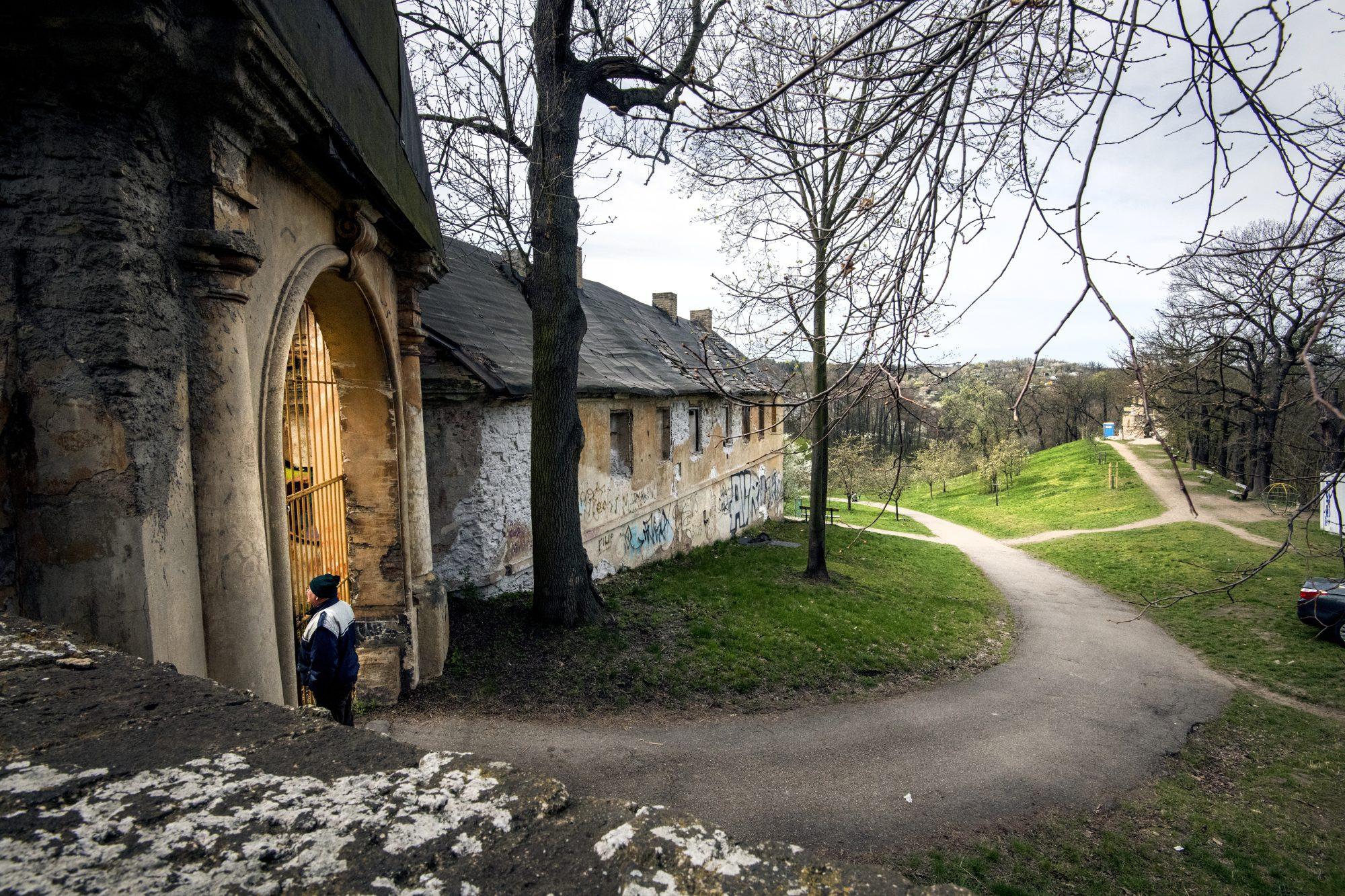 U vstupní brány - usedlost Cibulka by měla být přístupná i návštěvníkům v roce 2026.