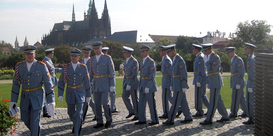 Velký péro armáda